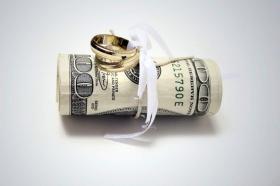 Где взять деньги на свадьбу: 3 популярных способов, обзор плюсов и минусов